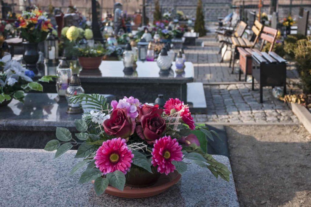 Ozdoby cmentarne