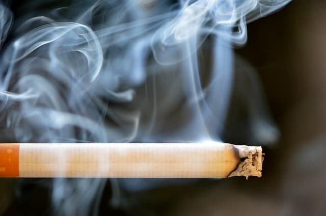 Usuwanie ozonem zapachu oleju oraz dymu papierosowego