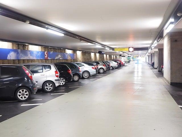 Mycie parowe parkingów